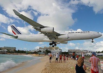 Maho_beach_Plane_Landing-St-Maarten-01